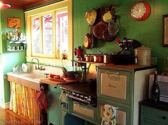 18105-Charming-Vintage-Kitchen