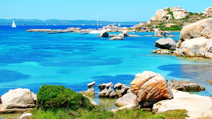 World___Italy_Jetty_on_the_island_of_Sardinia__Italy_065063_